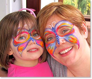 Mother and daughter by Wild smiles Face Painting